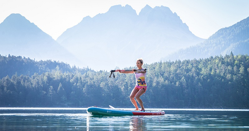 SUP Yoga: how to achieve poses in the water?
