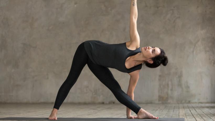 Trikonasana for meditation: the extended triangle pose